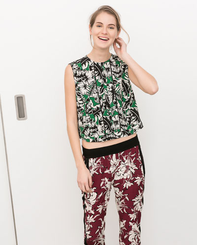Printed top with frills