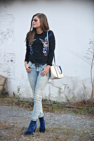 to be bright blogger jeans top shoes bag handbag ankle boots winter outfits black sweater blue shoes