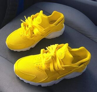shoes yellow kids fashion yellow sneakers low top sneakers huarache nike sneakers dope dope shoes yellow shoes yellow nike yellow nike shoes yellow huarache yellow nike huaraches dope huarache nike sneakers nike air huaraches huaraches nike shoes
