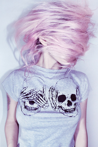 t-shirt skull pink grey shirt skull t-shirt grey shirt hear no evil see no evil punk grey t-shirt skeleton grunge grey sweater grunge t-shirt top soft grunge bones funny t-shirt pale goth pastel pastel goth pink hair pastel hair dress vans warped tour black see no evil hear no evil