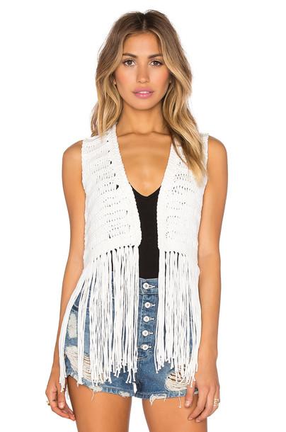 525 america vest open white