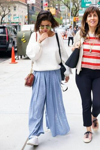 pants wide-leg pants sweater casual streetstyle celebrity celebrity style spring outfits selena gomez sneakers sunglasses