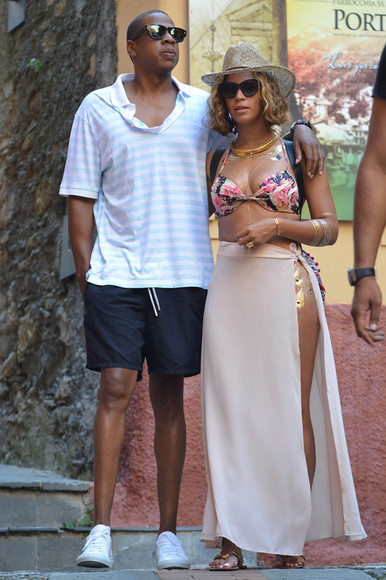 Jay Z beyoncé skirt queen bey sarong italy holiday travel swimwear