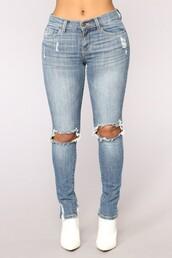 jeans,fashionnova,skinny jeans,blue distressed jeans
