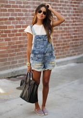 white top,black bag,jumpsuit,jeans,overalls,shorts,light washed denim,bag,distressed denime dungarrees,pants,denim overalls