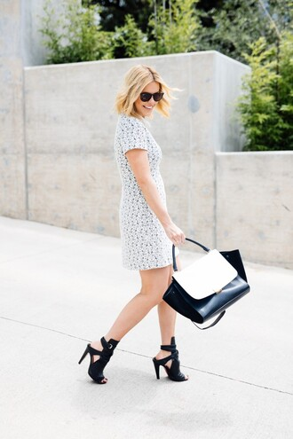 the courtney kerr blogger bag sunglasses jewels black and white black bag grey dress mini dress black heels peep toe heels