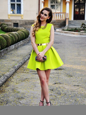 dress,yellow,bright,skirt,spring outfits,short dress,mini dress,model show,fashion,high waisted