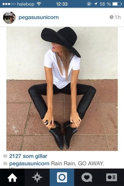 shoes black hat pants