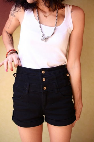 coline shorts