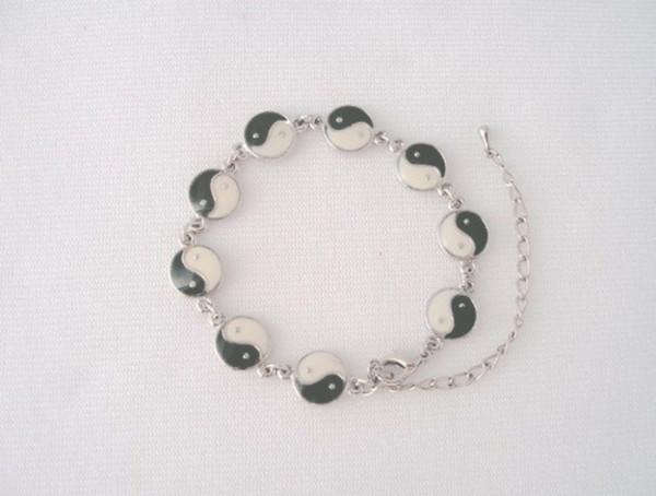 jewels yin yang bracelets black and white bracelets yin yang necklace cool peaceful black white dress girly girl girly wishlist wedding dress