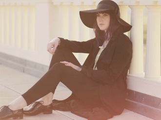 like a riot blogger floppy hat lace-up shoes