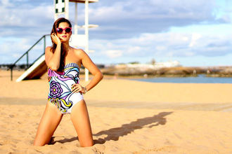 marilyn's closet blog blogger swimwear sunglasses jewels
