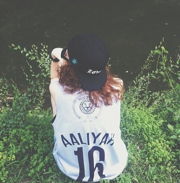 tank top aaliyah jersey snapback hat