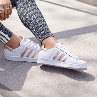 shoes adidas superstar rose gold pink white casual jeans leggings women pretty girl femme style outfit winter outfits