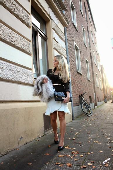 ruffle blogger jacket fashion twinstinct fur clutch Belt tailoring work outfit