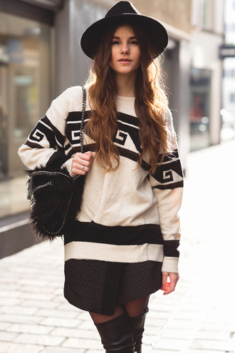 the fashion fraction blogger hat oversized sweater quilted fluffy