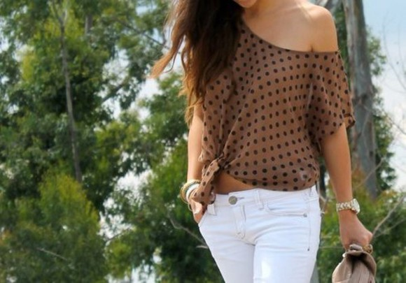 white pants t-shirt blouse polka dot beige