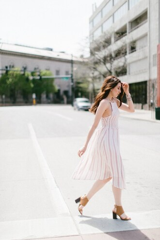 themiddlecloset blogger dress shoes jewels sandals spring outfits spring dress