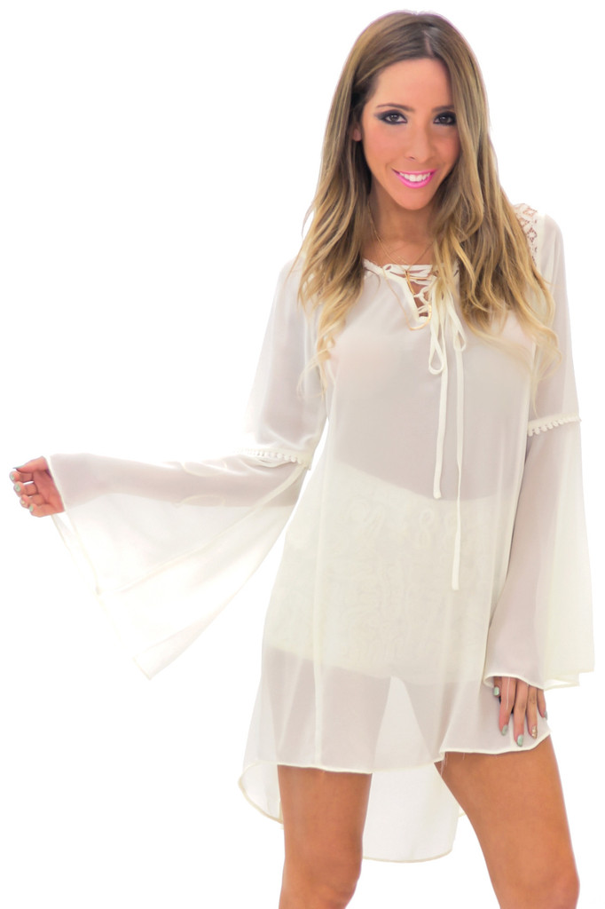 LIN BELL SLEEVE LACE TUNIC TOP - Cream | Haute & Rebellious