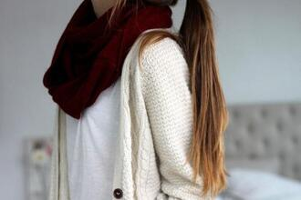 scarf white tee white cardigan burgundy burgundy scarf infinity scarf infinity white tshirt t-shirt only shortsleeve
