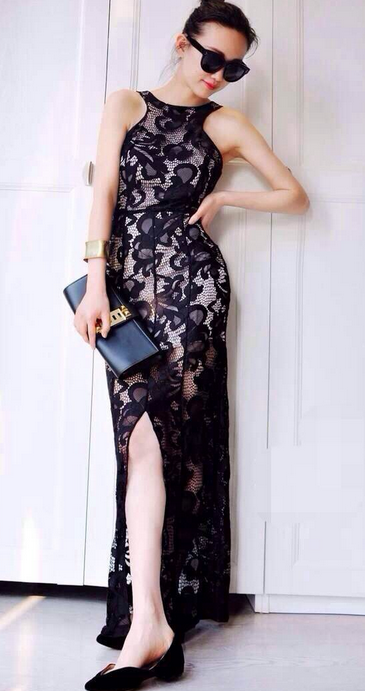 Elegant Black Lace Vent Full Long Dress