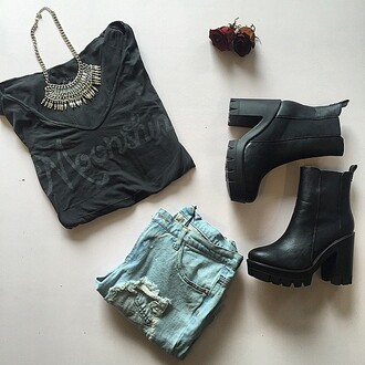 shirt divergence clothing graphic tee shirt back to school t-shirt hipster 90s style ripped jeans boutiques ig boutiques grunge girly grunge graphic tee black graphic t-shirt 28719