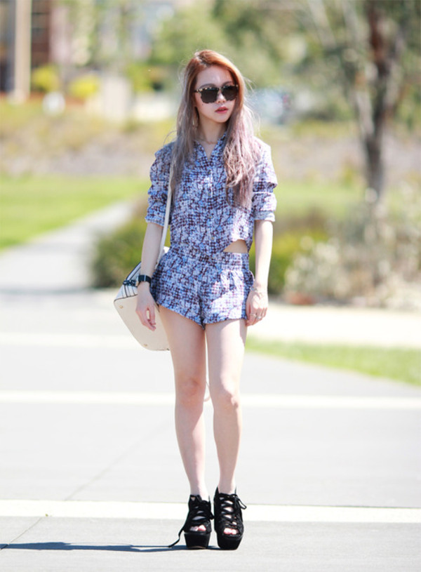 chloe ting shirt shorts shoes jewels