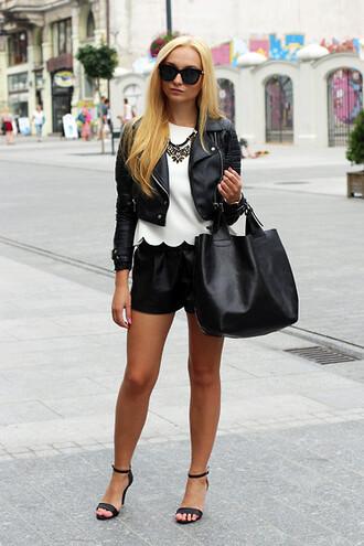 shoes silver statement necklace black leather jacket black leather shorts black strappy sandals black bag blogger sunglasses