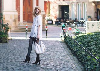 bekleidet blouse shoes bag