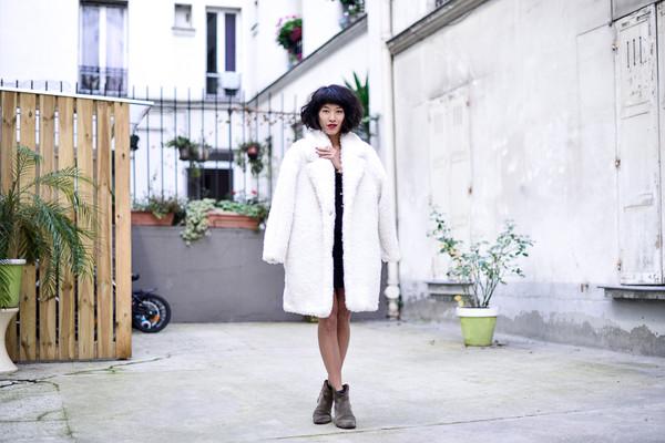 le dressing de leeloo blogger sézane white coat