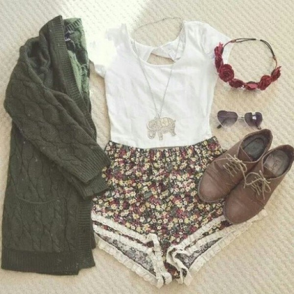 shorts floral flowered shorts white white shirt sexy summer summer outfits summer shorts summer shoes sunglasses cardigan shoes