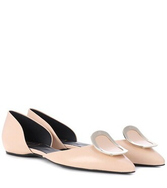 leather beige shoes