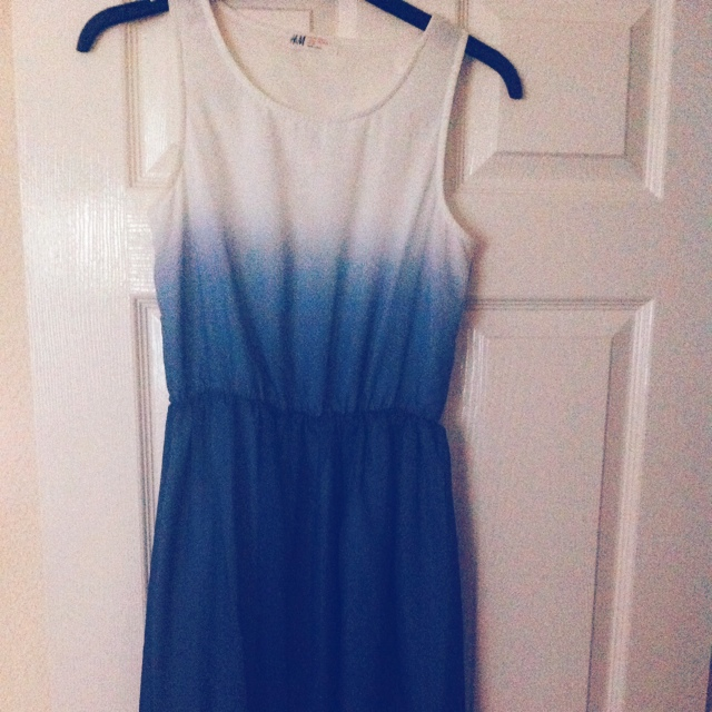 b6d08c7fe28 Hm Blue And White Ombré Dress Emily Welsh Depop