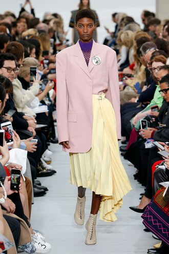 skirt pleated midi skirt asymmetrical blazer dusty pink runway celine paris fashion week 2017