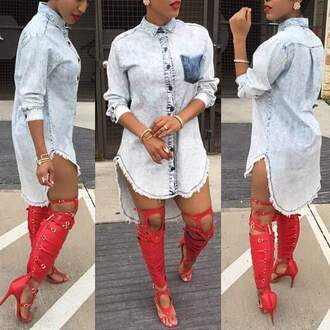 dress shirt denim shoes red red shoes heels red heels denim dress denim shirt jean dress red lipstick gladiators knee high gladiator sandals knee high socks gold jewelry