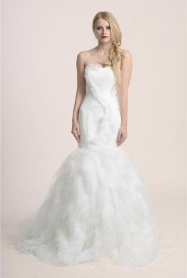 Affordable wedding dress online store los angeles lace for Cheap wedding dresses in los angeles