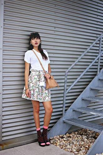 jewels natalie off duty blogger skirt bag