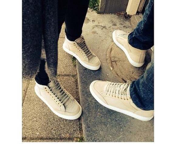 shoes cute beige shoes sneakers low top sneakers classy light color pretty