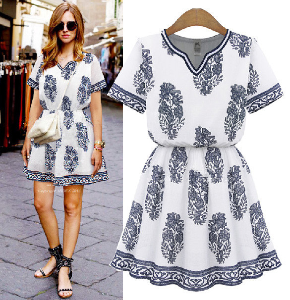 Graphic Blue Print White Tunic – Goodnight Macaroon