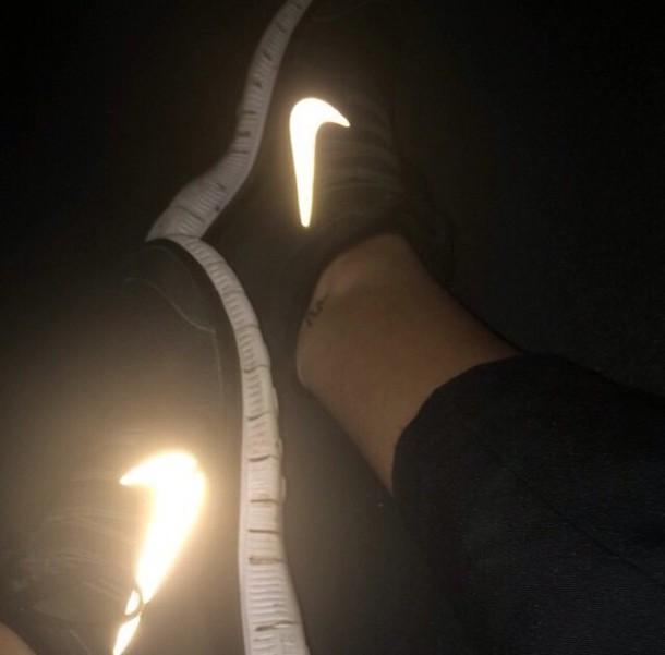 shoes nike black low top sneakers black sneakers