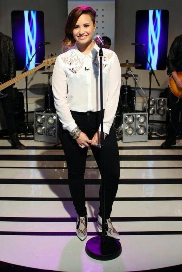 shoes demi lovato shirt singer stage white shirt