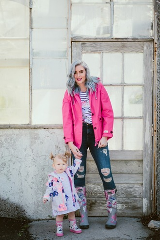 the red closet diary blogger jacket jeans top shoes dress pink jacket wellies baby clothing spring outfits mother and child