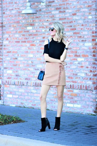 skirt mini skirt lace up skirt a-line skirt cut-out top ankle boots blogger blogger style open toes crossbody bag