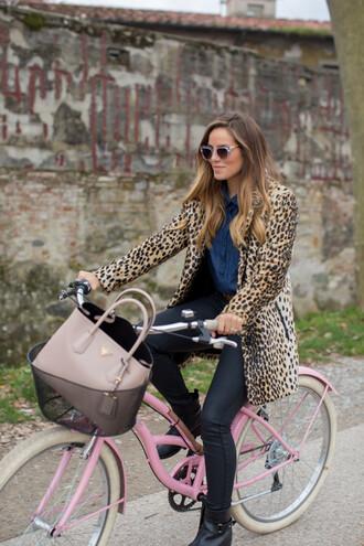 gal meets glam blogger coat sunglasses bag leopard print black pants