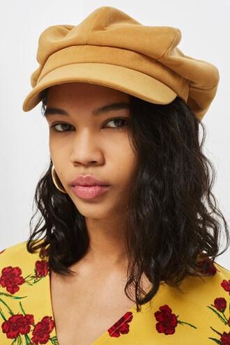 hat mustard