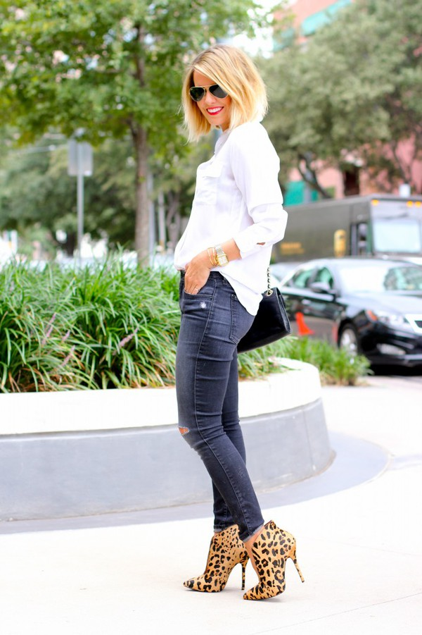 the courtney kerr blogger top jeans bag jewels sunglasses