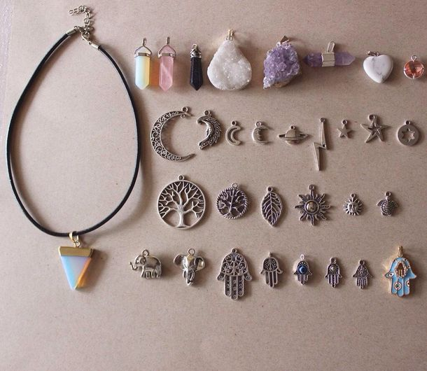 jewels hipster pendent Juwels indie choker necklace crystal jewelry necklace diamonds sun science tree moon bolt assessories assessor mon grunge alien hippie style magic cristal necklace hair accessory bijoux pendentif