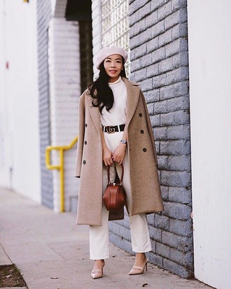 coat camel coat oversized coat pink beret top belt white pants pink shoes oversized beret white top pants high heels shoes