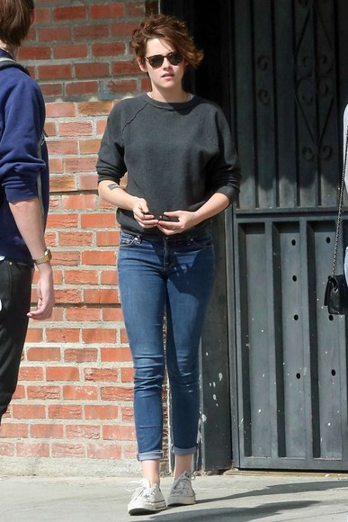 kristen stewart jeans shoes fall outfits sweater