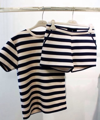 shirt black white stripes tailoring shorts top t-shirt shorts set cute short set matching set two-piece shirt and pants black and white pants outfit